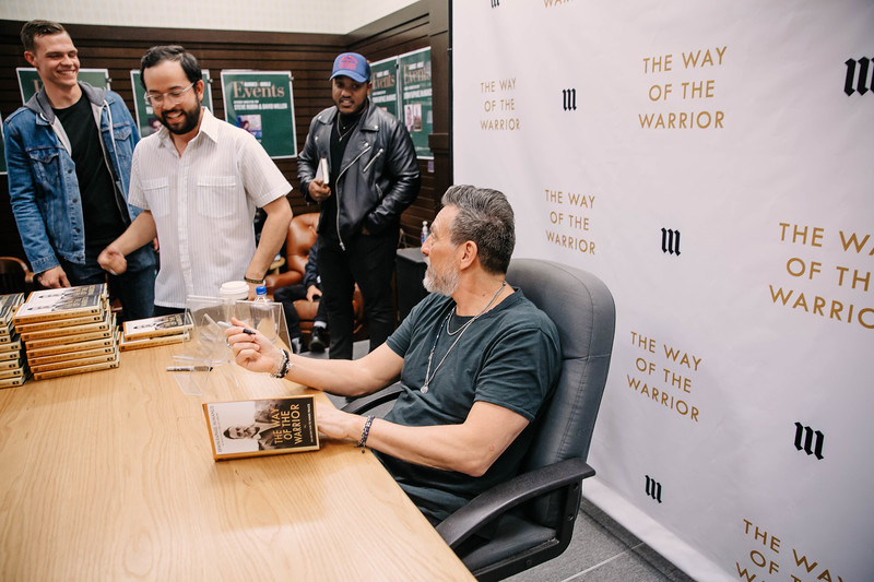 2019_2_28_TWOTW_BookSigning_SP_699.jpg