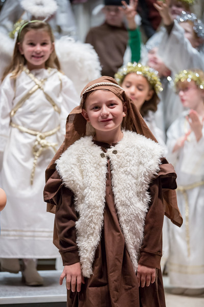 1st grade Christmas program (46 of 49).jpg
