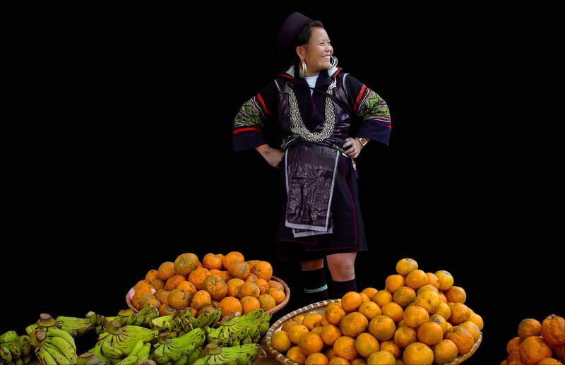 BLACK HMONG LADY - SAPA VIETNAM