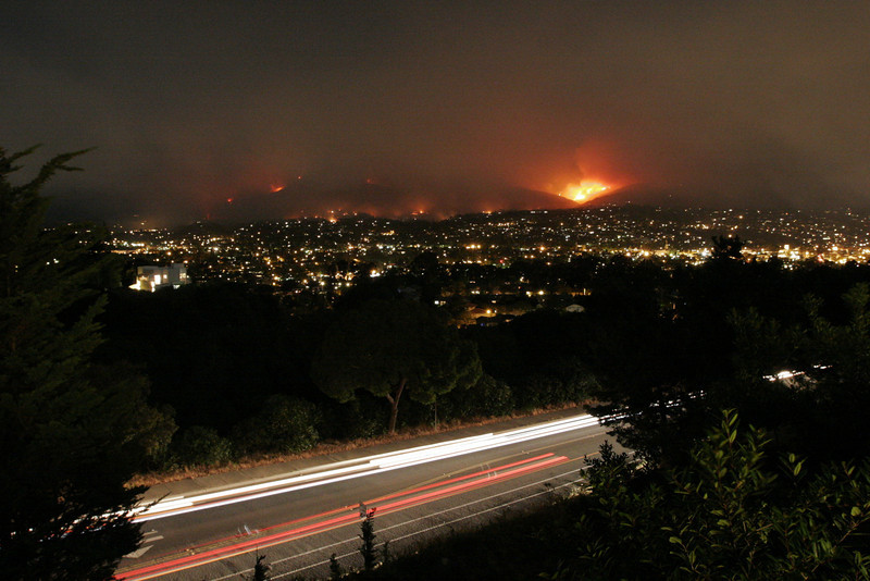 2nd night, view from SB Highlands subdivision.  Some parts of the downtown area have been evacuated and hot spots have flared up sporadically all over the city.  Approx 30 hours after the fire started.