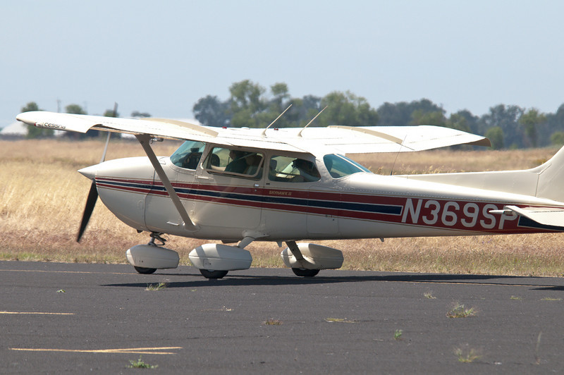 N369SP taxiing for takeoff and return to Modesto