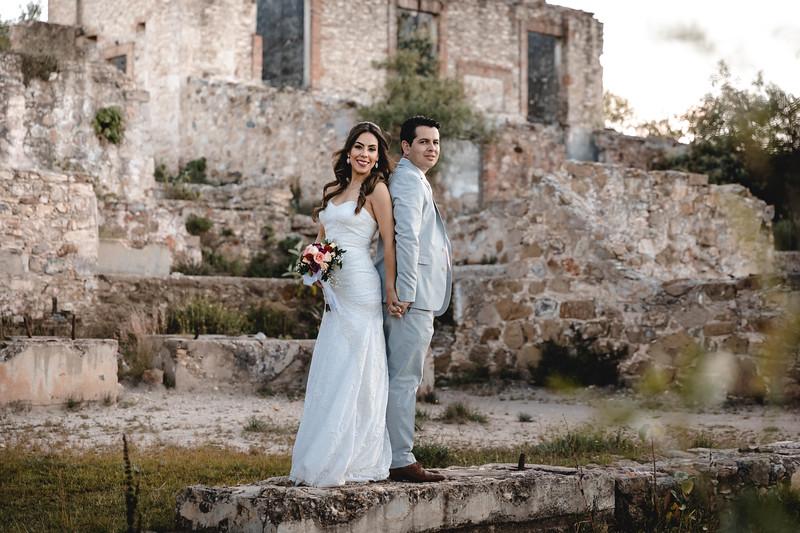 P&H Trash the Dress (Mineral de Pozos, Guanajuato )-67.jpg