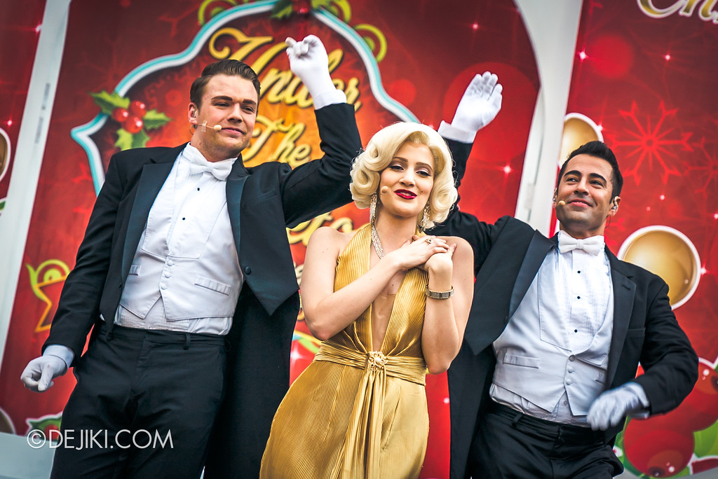 Universal Studios Singapore - A Universal Christmas event 2017 / Under the Mistletoe 2017 with Marilyn Monroe close