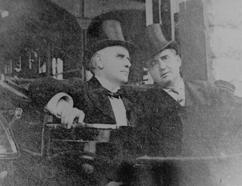 . This is one of the last photos taken of U.S. President William McKinley on the day he was shot, September 6, 1901.  It shows him, left, with John G. Milburn, right, President of the Pan American Exposition, leaving Niagara Falls, N.Y., to return to Buffalo and the reception at which he was shot. (AP Photo)