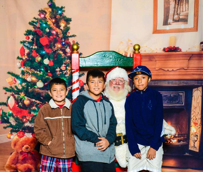 Santa Elmore 2016-12171.jpg
