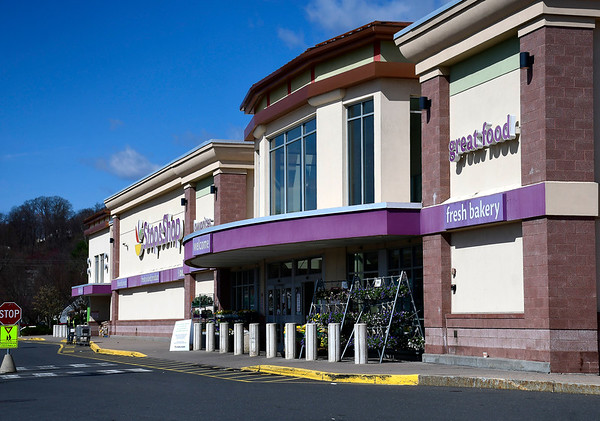 4/7/2020 Mike Orazzi | Staff Stop & Shop on Route 6 in Bristol.