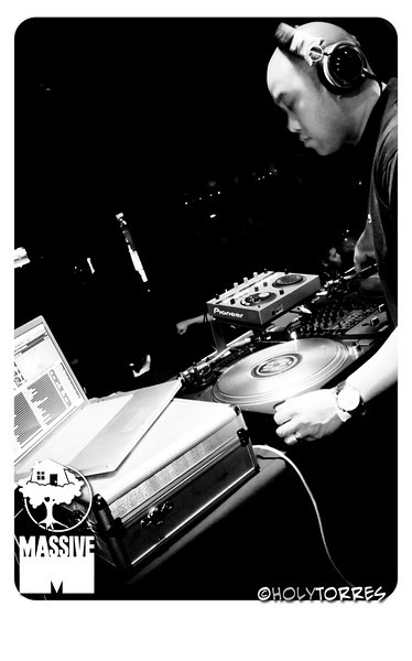 Resident Media & Massive - Friday Night Lights - The Crocodile - 2.12.2010