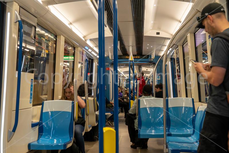2376 Montreal-metrorev1crp2.jpg