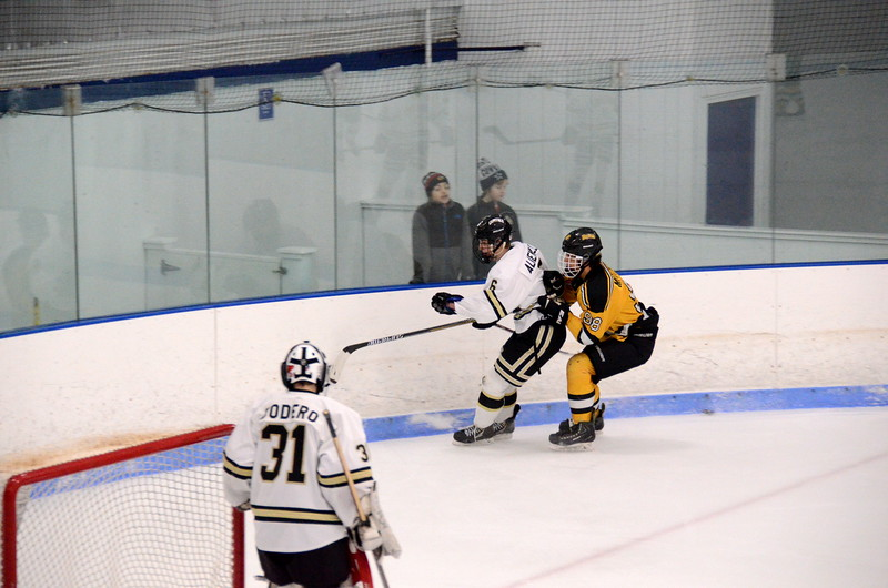 150103 Jr. Bruins vs. Providence Capitals-074.JPG