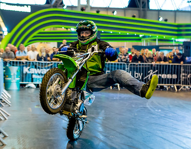 Lee Bowers Stunt Show