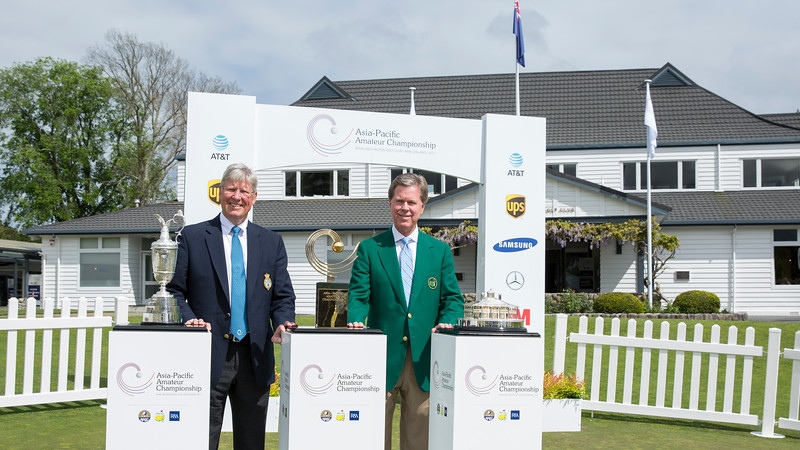 Martin Slumbers (CEO of R&A) with Chairman Ridley (Masters Chairman) with the Masters Trophy, the Asia-Pacific Trophy and the Claret Jug on the 1st day of competition in the Asia-Pacific Amateur Championship tournament 2017 held at Royal Wellington Golf Club, in Heretaunga, Upper Hutt, New Zealand from 26 - 29 October 2017. Copyright John Mathews 2017.   www.megasportmedia.co.nz