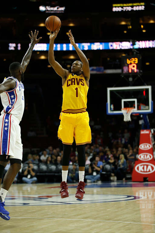 . Cleveland Cavaliers\' James Jones in action during an NBA preseason basketball game against the Philadelphia 76ers, Thursday, Oct. 8, 2015, in Philadelphia. (AP Photo/Matt Slocum)