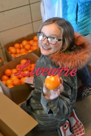 JCC Middle School Kids at the Food Shelf 2018
