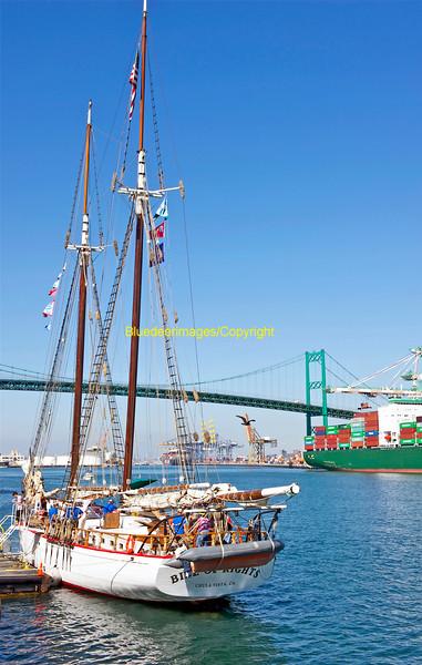 NAUTICAL VESSELS: SHIPS / SAILBOATS