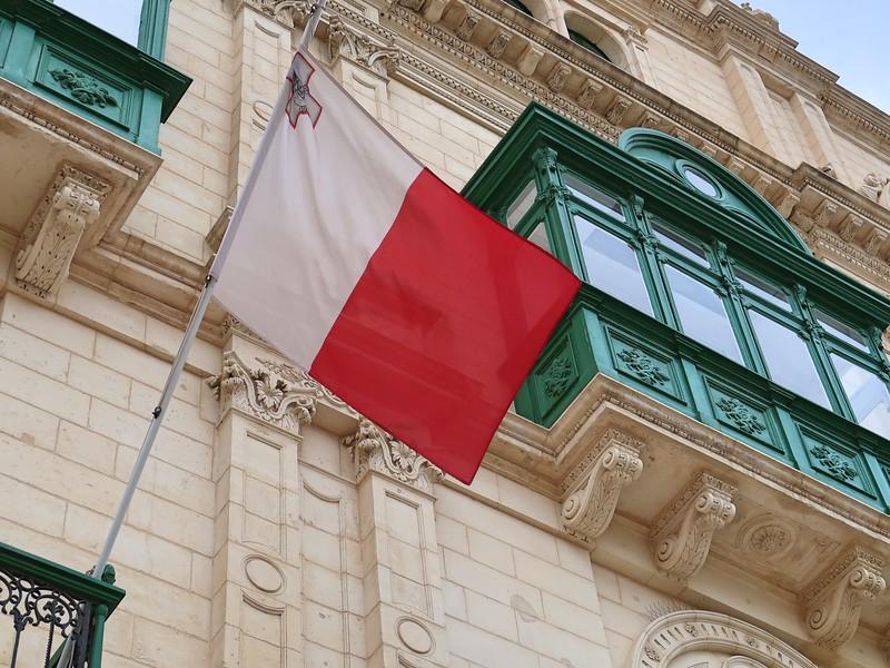 IMG_7195-malta-flag.jpg