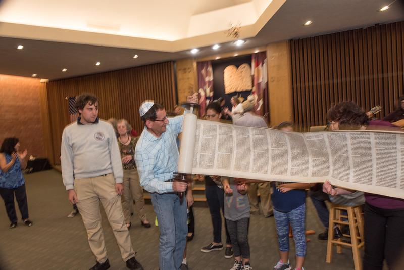 Simchat Torah4622.jpg