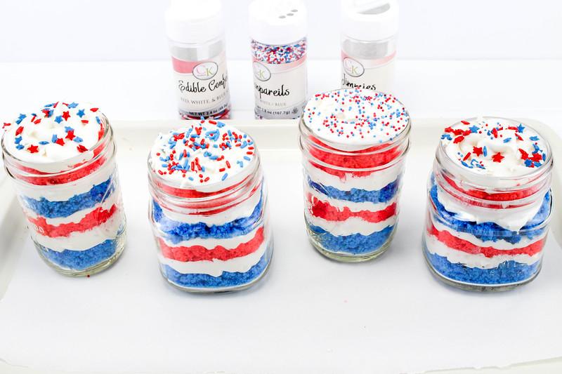 4th of July Cake in a Jar 3.jpg