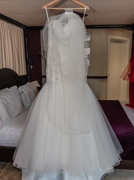 01 Bridal Prep-9.jpg