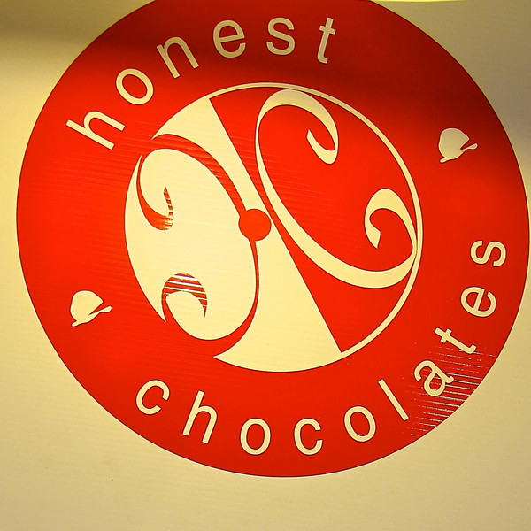 Honest Chocolates, Carlton Oregon 2010  2953.jpg