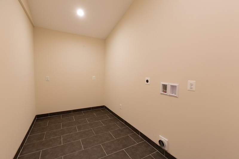 Locust Street House 096-HDR.jpg