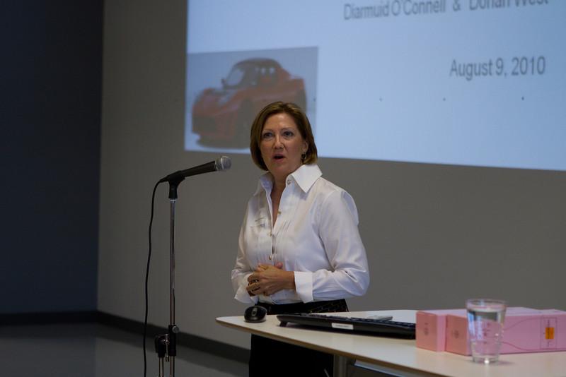DAASV Event Committee Chairperson, Janet Kluczynski '77.
