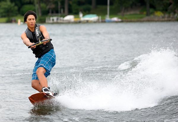 Jonas Wakeboarding