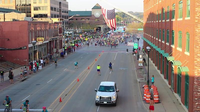Quad Cities Marathon Start