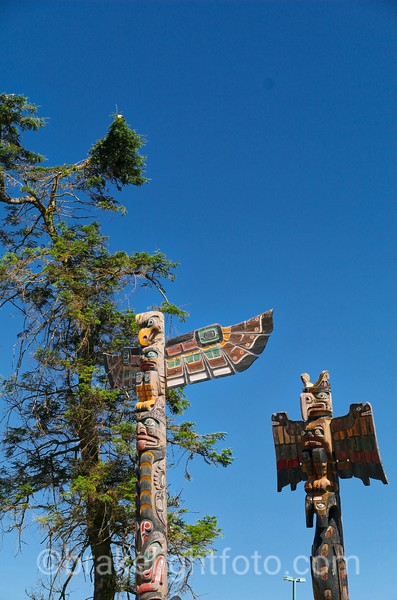 Totems & Bald Eagle