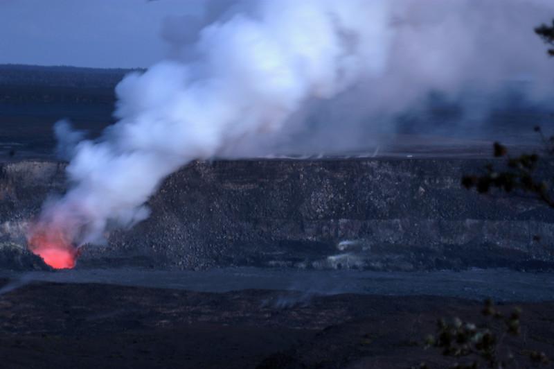 287- 20080412- Hawaii 15- Volcano Nat'l Park Plume Night shots DSC_3195.jpg