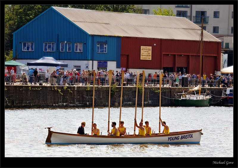 Bristol young rowers (83007513).jpg