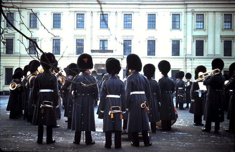 1960-1-10 (14) Guards @ Barracks Birdcage Walk.JPG