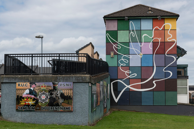 Picture of dove painted on wall of building, Free Derry, Londonderry, Northern Ireland, United Kingdom