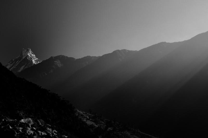 Sunrise over the ridge - Fish tail Mountain - Machapuchare.