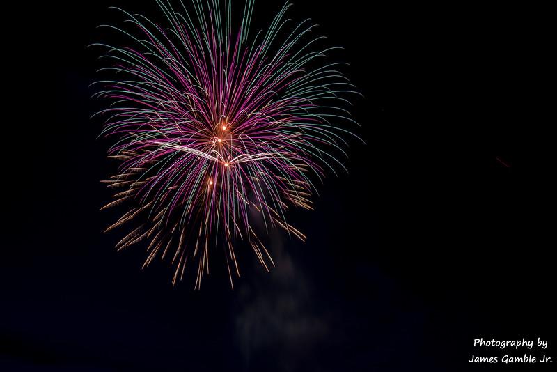 Fourth-of-July-Fireworks-2016-0325.jpg