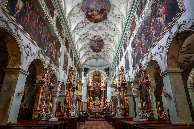 Stiftskirche-Sankt-Peter-1.jpg
