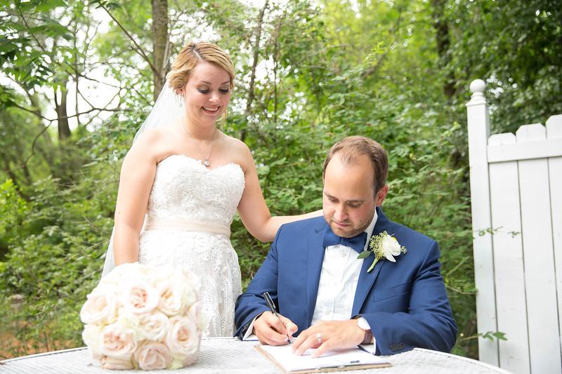 Garrett & Lisa Wedding (531).jpg
