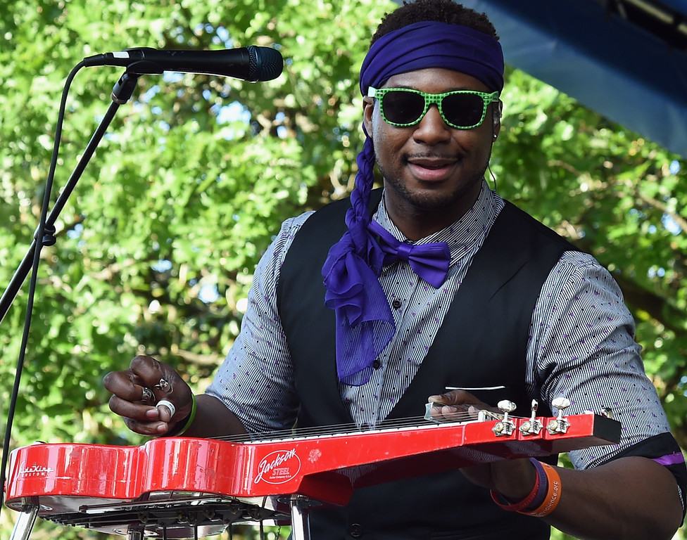 . Robert Randolph And The Family Band perform during Musicians Corner 2016 at Centennial Park on May 14, 2016 in Nashville, Tennessee.  (Photo by Rick Diamond/Getty Images)
