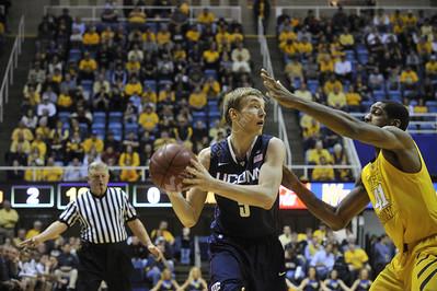 27456 mens basketball vs. UConn