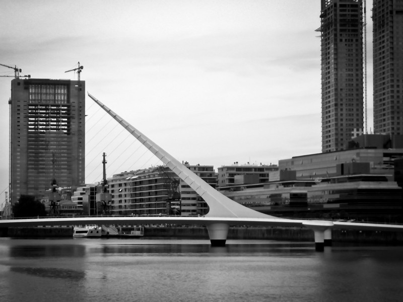 Buenos Aires 2009 Puerto Madero.jpg