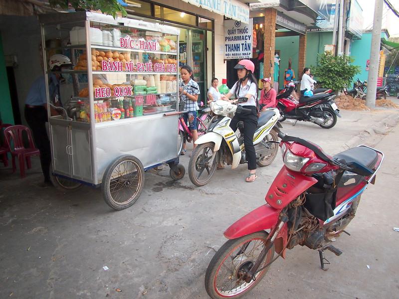 P1297042-street-banh-mi.JPG