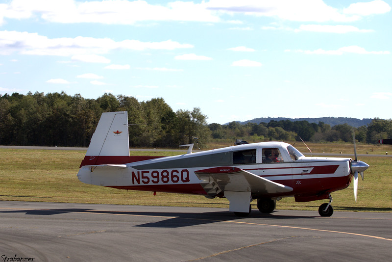 Mooney M20e    s/n 852   N5986Q