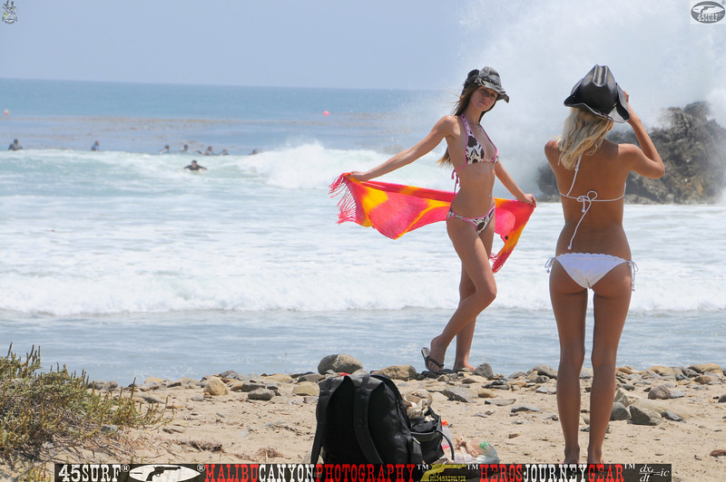 leo carillos surf's up beautiful swimsuit model 45surf 1585.,.
