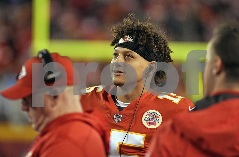 Twitter reacts to Patrick Mahomes getting the start at quarterback for KC