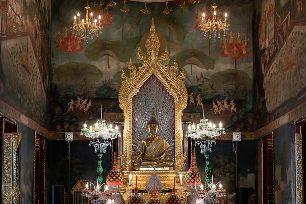Phra Ubosot (Interior)