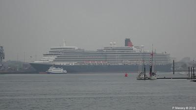 2018-05-24 MSC MAGNIFICA & QUEEN ELIZABETH Very Misty Southampton
