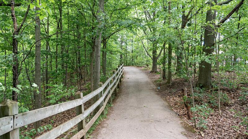 Ontario-Oakville-Sixteen-Mile-Creek-Trail01.jpg