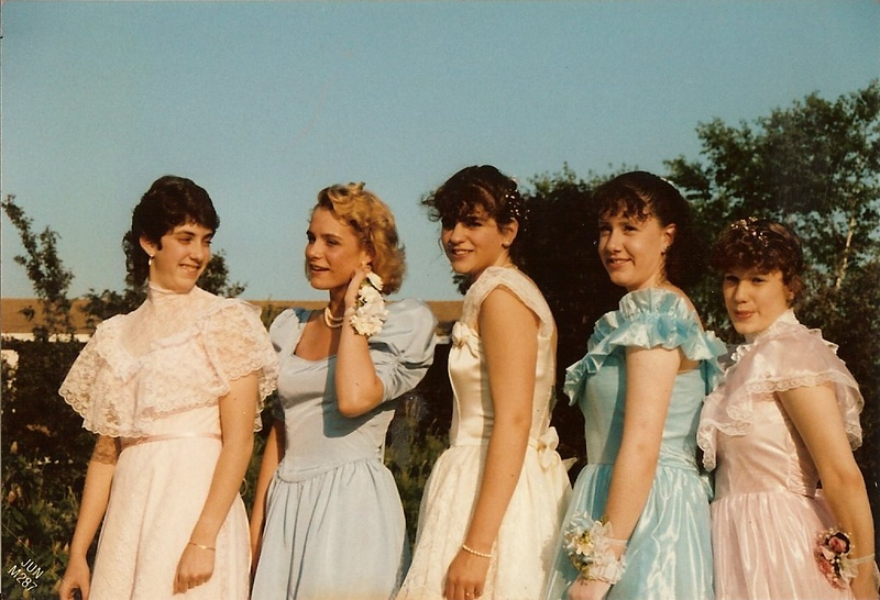 promgirls.jpg