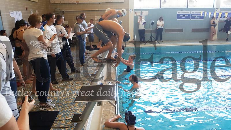 1112_SPO_Y swimming3.jpg