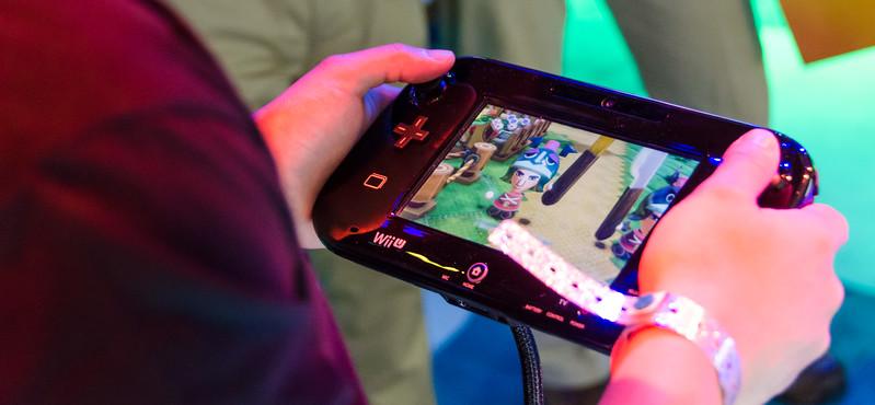 Wii U controller at E3 2012