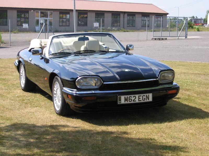 Jaguar Black (solid)